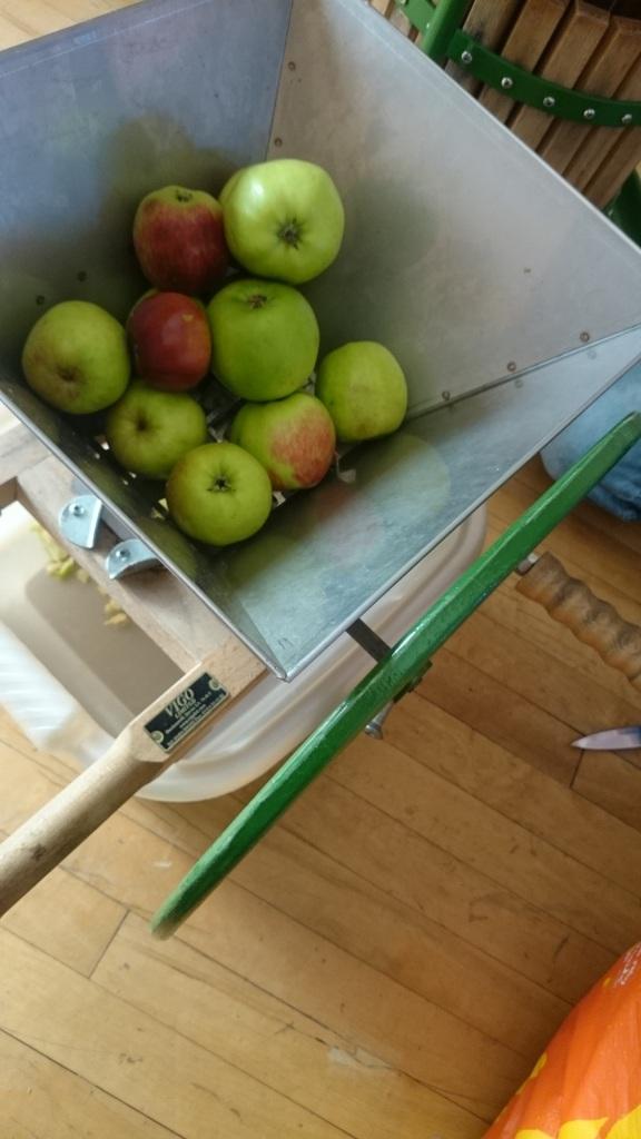Apple pressing!