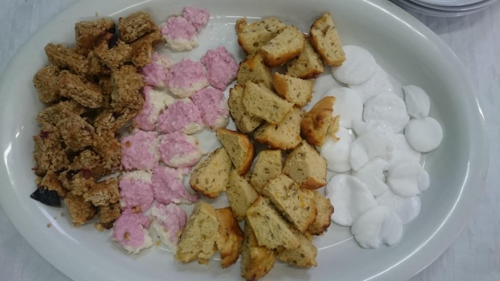 Cake platter for pudding.